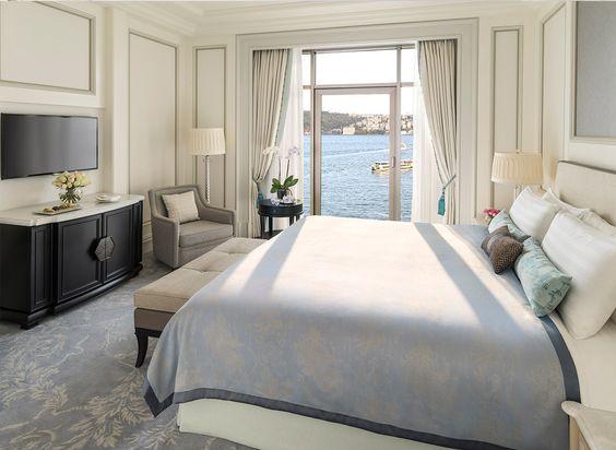 Khách sạn tân cổ điển ven biển