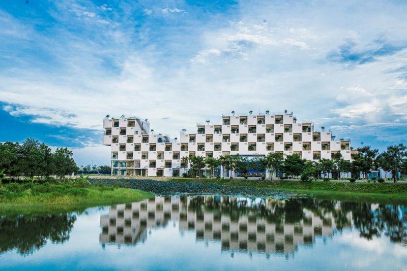 trường đại học fpt với kiến trúc hình khối đẹp