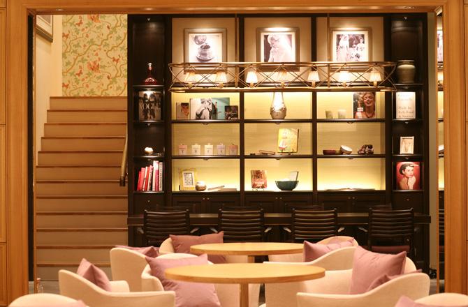 Tủ trưng bày showroom